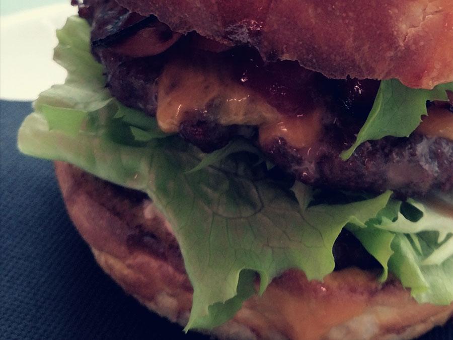 Osteria Due Draghi Hamburger di carne pesce vegetariano con pane artigianale