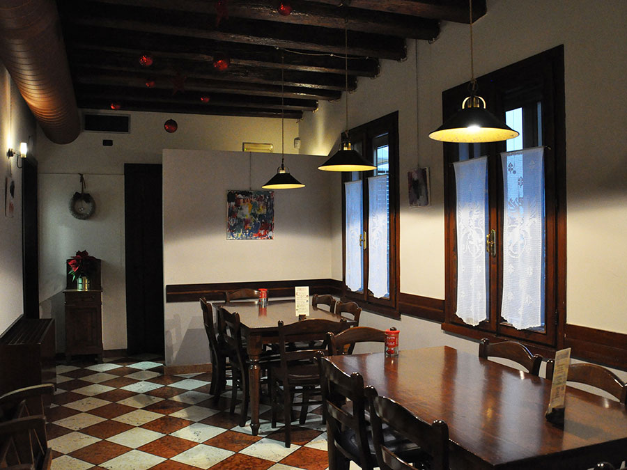 Interno Osteria Due Draghi a Montagnana